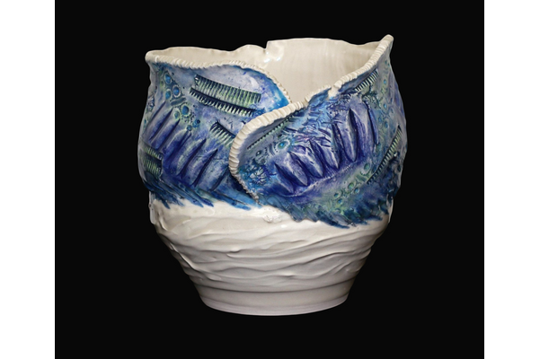 Lise B.L. Goulet,Breaking the Waves Series: A Swirl of Foam, 2018,To Hide a Pot!,Clay, underglaze, glazes,21 x 24 x 24 cm,Collection particulière